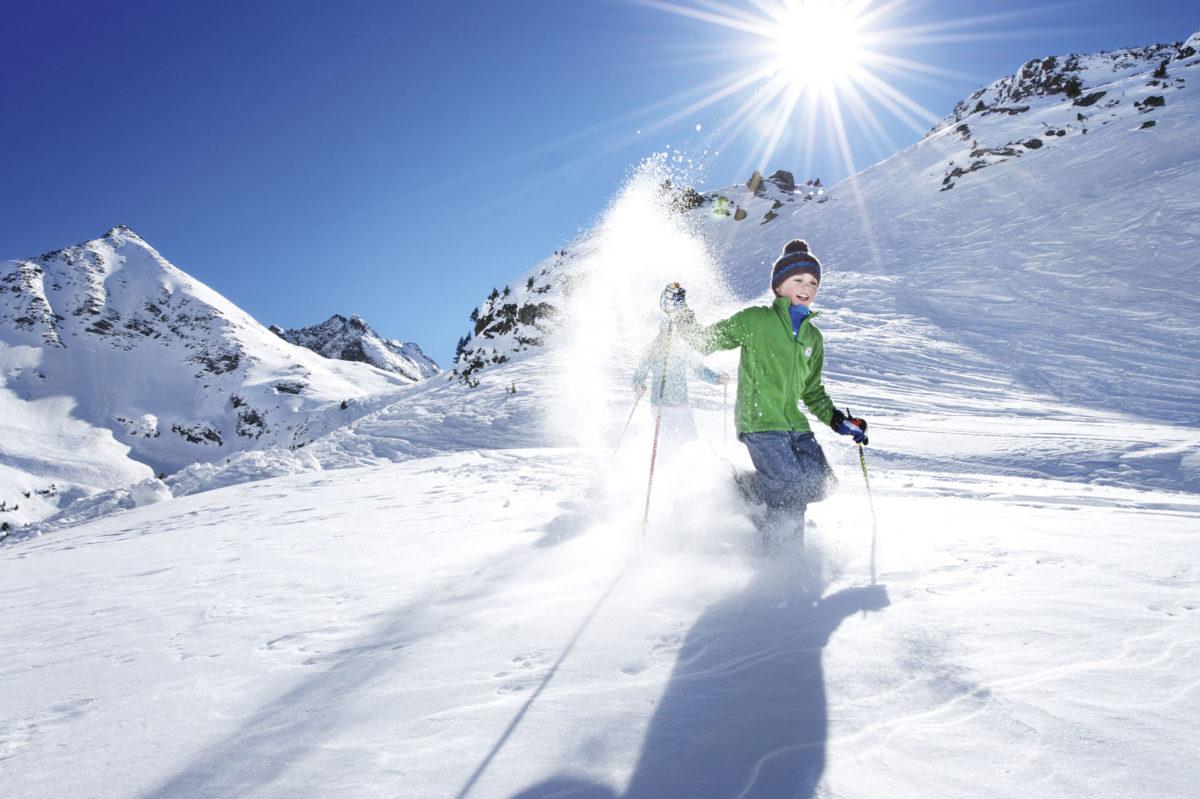 alpengasthof-dortmunder-huette-winter-galerie-schneeschuhwandern-familie